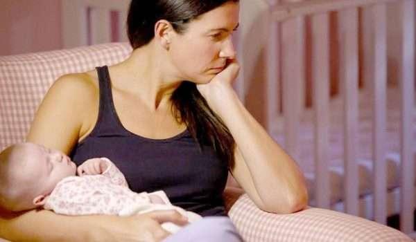 اكتئاب بعد الولادة