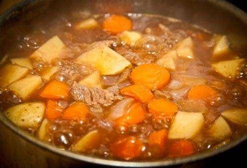 كوليستريديم برفرنجيس : اللحوم و المرق :