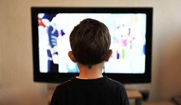 تأثير التلفاز على الاطفال