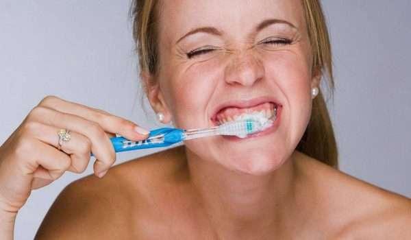 غسل الاسنان