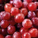 فوائد العنب الأحمر الصحية