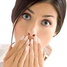 أكل المزيد من التفاح و البرتقال يحسن رائحة الفم ؟