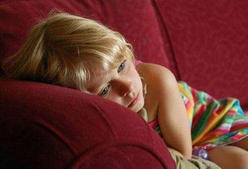 هل طفلي مصاب إصابة بعدوى الجهاز البولي، أم فقط بسبب تعلم استخدام نونية الإطفال (قعادة)؟