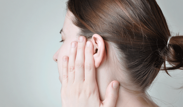 ثقب طبلة الأذن