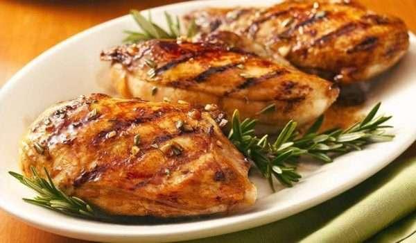 طريقة عمل صدور الدجاج المشوية