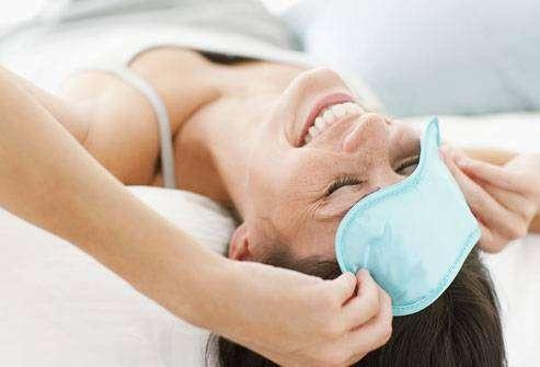 طقوس للعناية بجمالك قبل النوم - كل يوم معلومة طبية