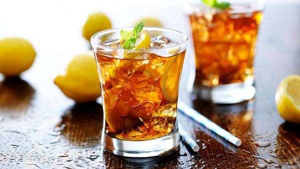 مشروبات لحرق الدهون شاي النعناع المثلج