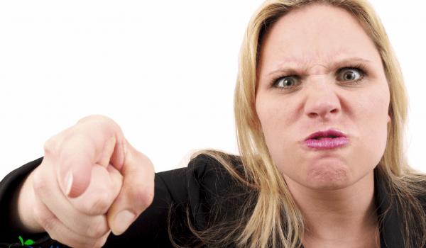 هل للشتائم تأثير و ضرر على النفس ؟