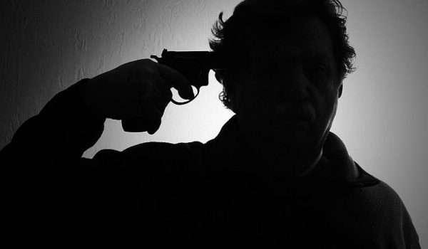 الانتحار و الأمراض النفسية