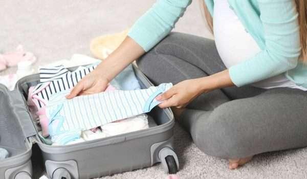 d14899521bae7 حقيبة المستشفى للولادة وحقيبة المولود ونصائح هامة عند تجهيز شنطة ...