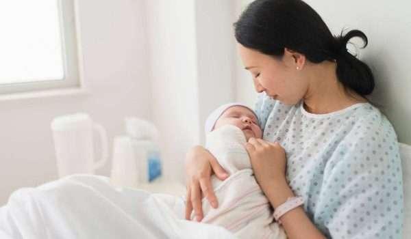 اعراض الولادة الطبيعية