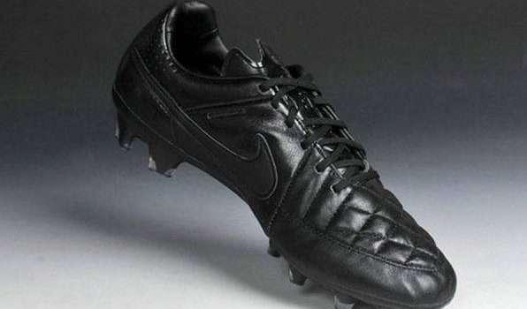 افضل حذاء رياضي حذاء كرة القدم