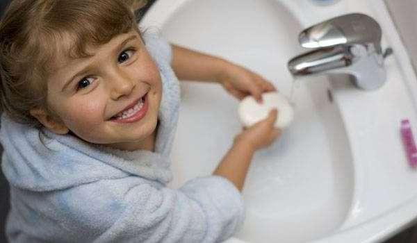 علاج ديدان البطن عند الاطفال