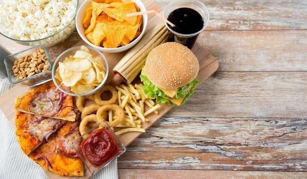 اطعمة تسبب الامساك