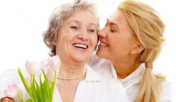 0026b2c1a قدم لوالدتك هدايا مفيدة وممتعة في عيد الأم - كل يوم معلومة طبية