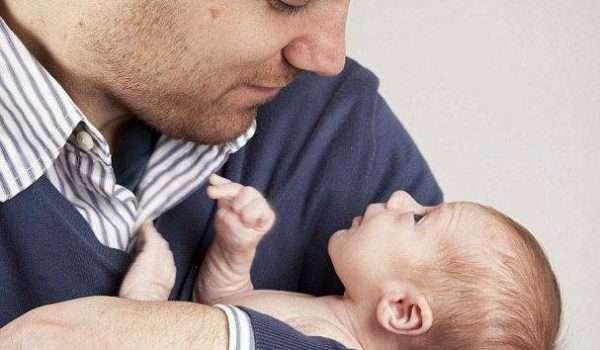 اكتئاب ما بعد الولادة عند الرجال
