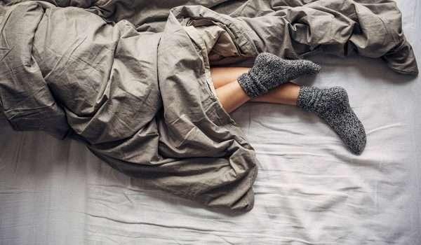 ارتداء الجوارب اثناء النوم