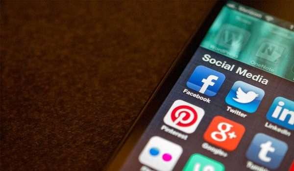 اضرار مواقع التواصل الاجتماعي