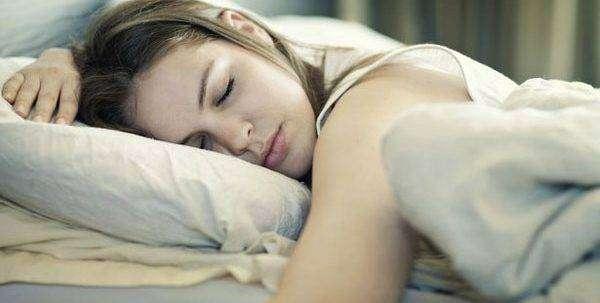 النوم الصحي النوم على البطن عادات النوم الصحية