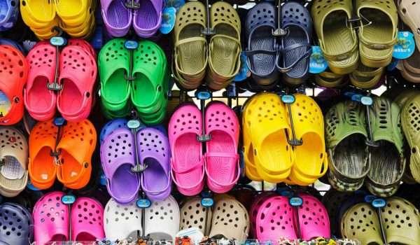 74c3d85ce احذية كروكس : هل هي احذية صحية أم لها أضرار ؟ - كل يوم معلومة طبية