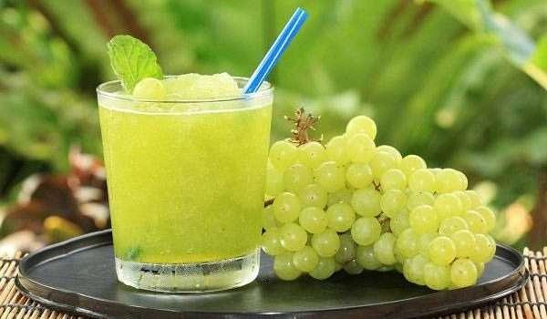جفاف الفم في رمضان عصير العنب