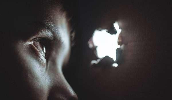حساسية العين من الضوء