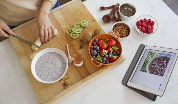 bab722c9e كيف تؤكل بذور الشيا المفيدة مع الأطعمة المختلفة؟ - كل يوم معلومة طبية