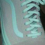 لون حذاء