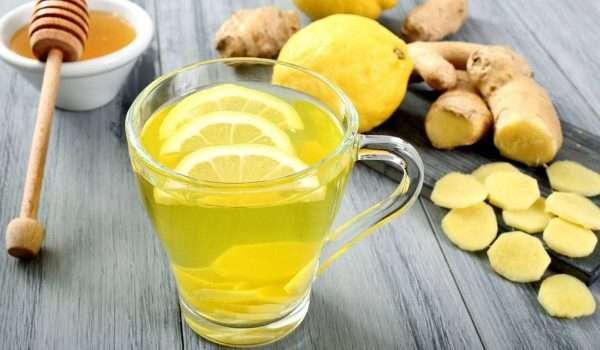 الماء الدافئ مع الليمون