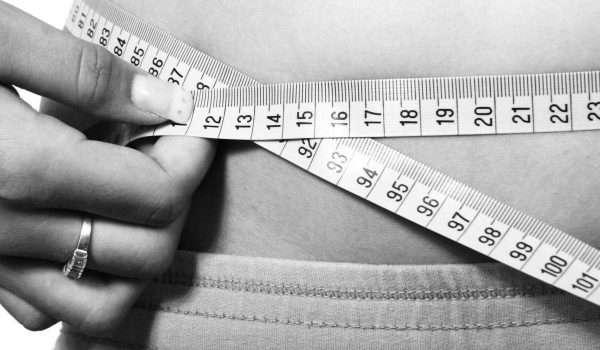 هل الدورة الشهرية تزيد الوزن اثناء الرجيم