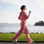 المشي اثناء الدورة الشهرية