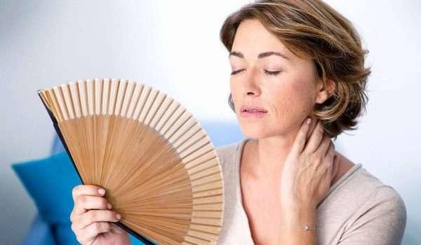 اعراض انقطاع الدورة الشهرية المبكر