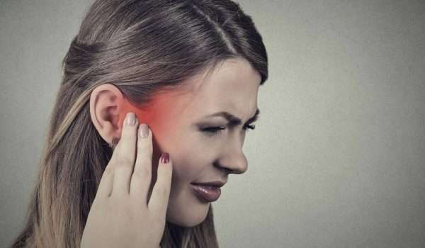 اعراض التهاب الاذن الوسطى وأسبابه.. ومتى يجب استشارة الطبيب؟