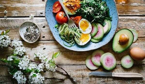 اكلات دايت مختلفة.. ودليل شامل لما يجب تناوله وما يجب تجنبه لوزن صحي