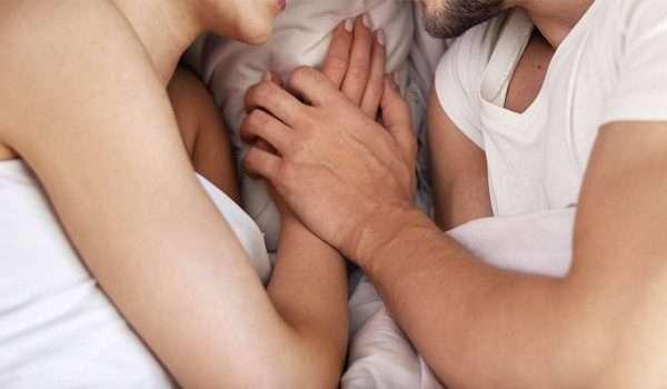الولادة القيصرية والجماع .. متى يمكن استئناف العلاقة الزوجية؟
