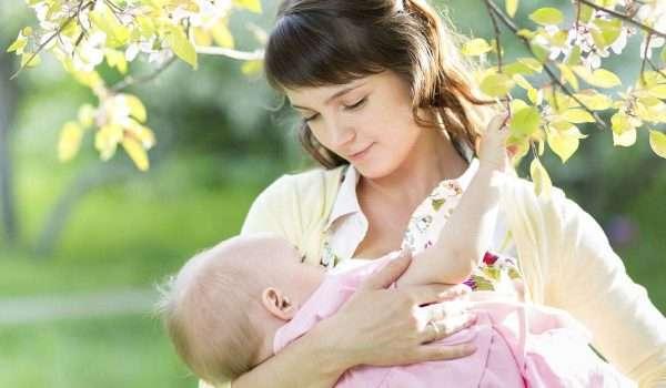 اكلات لزيادة حليب الام