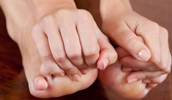اعراض النقرس عند النساء