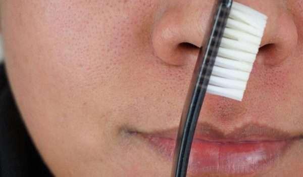 علاج الرؤوس السوداء بمعجون الاسنان