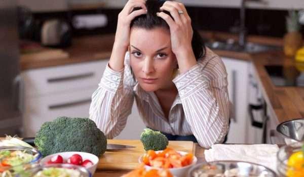 هل الرجيم يسبب اكتئاب