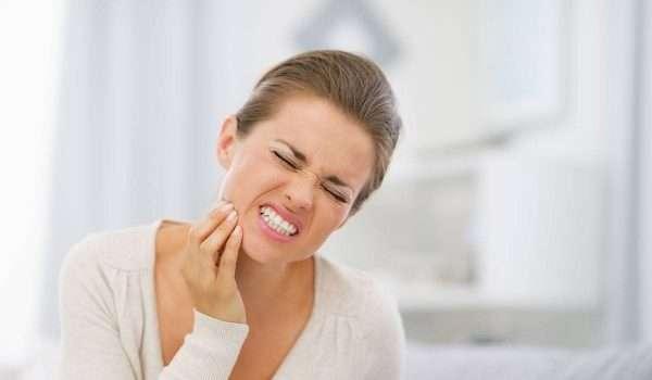 علاج حساسية الاسنان بعد التبييض