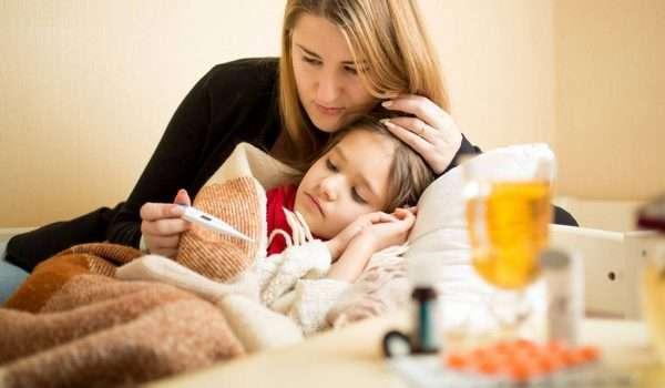 علاج الحرارة عند الاطفال أو علاج السخونة عند الاطفال