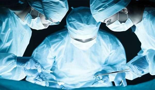 عملية شد البطن مع الولادة القيصرية
