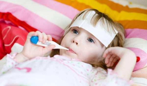 ارتفاع درجة الحرارة عند الاطفال بدون سبب