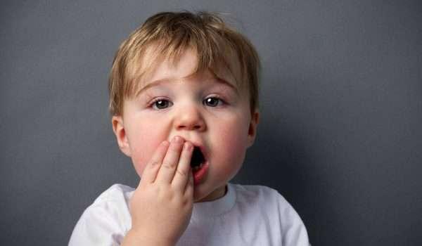 تسوس اسنان الاطفال بعمر سنتين