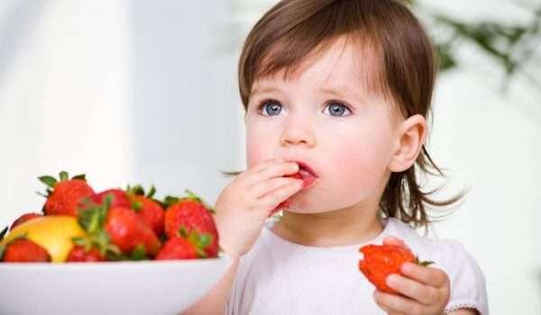 فوائد الفراولة للاطفال