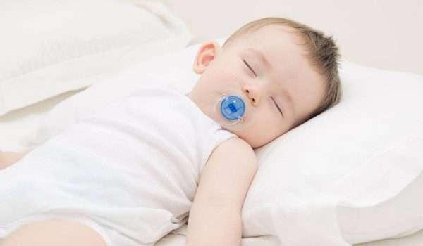 نوم-الطفل-في-الشهر-العاشر