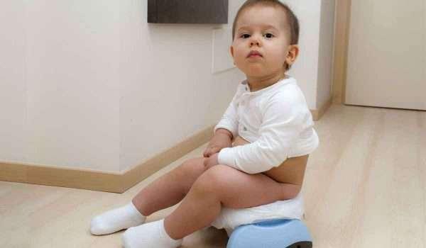 خروج دم مع البراز عند الاطفال