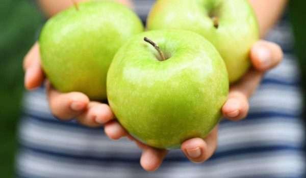 5d294884d فوائد التفاح الاخضر للتخسيس هل حقاً أنه صديق الرجيم؟ - منتدى معلمي ...