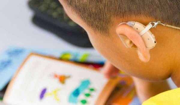 ضعف-السمع-عند-الاطفال2