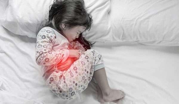 علاج عسر الهضم عند الاطفال